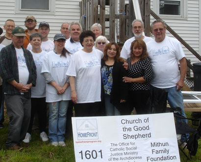 Church of the Good Shepherd Seymour Volunteers — Photo by Tom Solomon